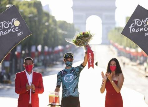 Franck Bonnamour, vencedor do Super Combatants in the Tour, premiado com novo contrato com B&B Hotels