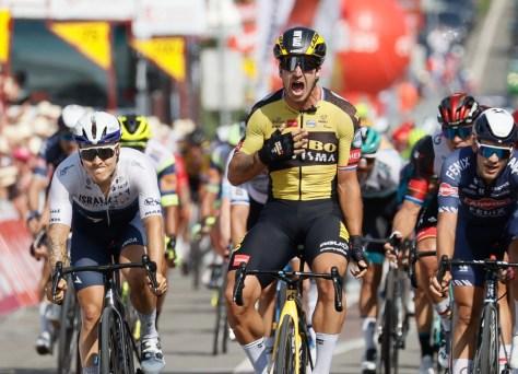 A primeira fase do Tour de Wallonie é a presa de Dylan Groenewegen, que vence pela primeira vez desde a suspensão após um acidente na Polônia
