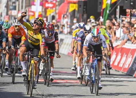 """Dylan Groenewegen vence a segunda etapa no Tour da Valônia após uma corrida forte: """"Não 100% ainda, mas no caminho certo"""""""