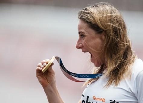 """O holandês Van Vleuten agora leva ouro no contra-relógio após o desastre na estrada: """"Este deveria ter sido o caso"""""""
