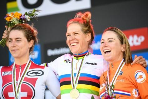 RESULTADOS 2021 WOMEN TIME TRIAL Campeonatos Mundiais.  Ellen van Dijk dá o cheque a todos e se torna campeã mundial pela segunda vez em sua carreira