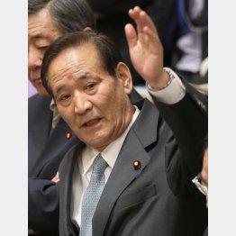 渦中の西川公也委員長(C)日刊ゲンダイ
