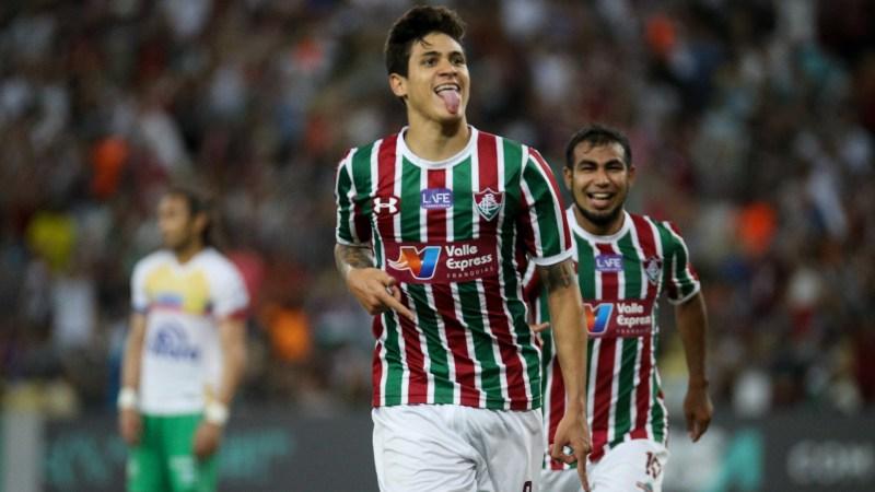 Pedro passa por cirurgia e desfalca o Fluminense por até seis meses