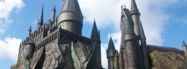 Fãs de Harry Potter querem comprar um castelo