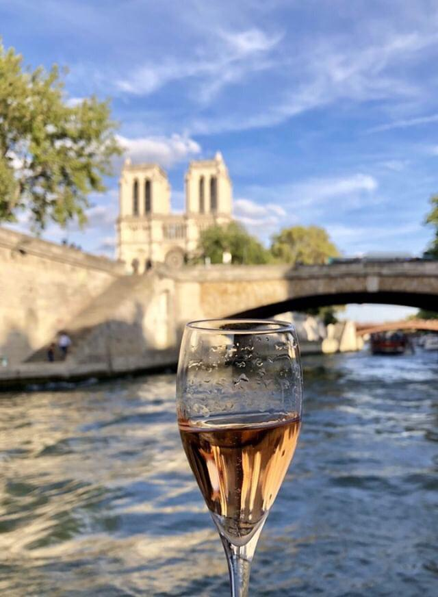 Champagne Cruise on the Seine River (0)