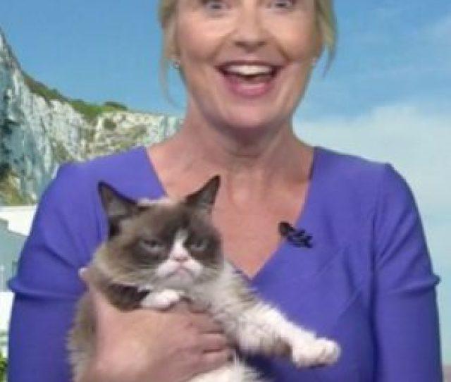 Watch Carol Kirkwood Present Her Bbc Weather Forecast With Grumpy Cat Ok Magazine