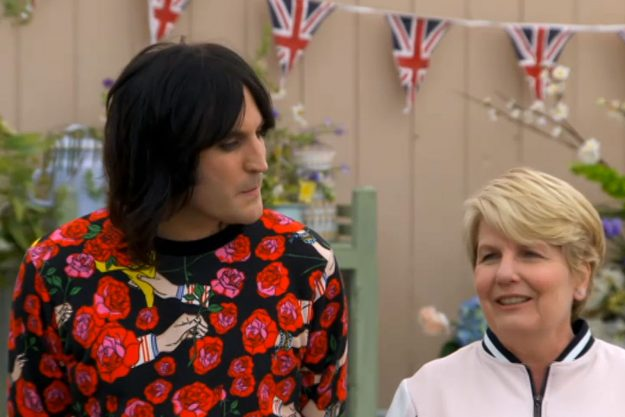 Noel Fielding fans convinced the GBBO presenter is sending messages to Mary Berry