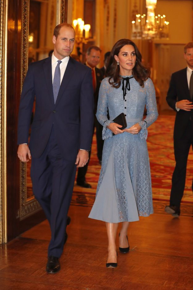 LONDON, UNITED KINGDOM - OCTOBER 10: Prince William, Duke of Cambridge and Catherine, Duchess of Cambridge support World Mental Health Day at Buckingham Palace on 10, October 2017 in London, England. (Photo by Heathcliff O'Malley - WPA Pool/Getty Images)