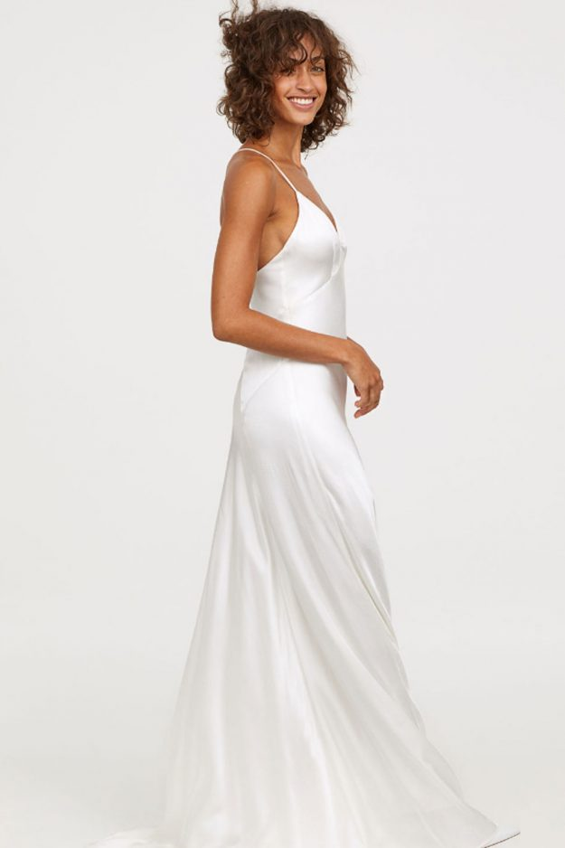 H&M selling wedding dresses