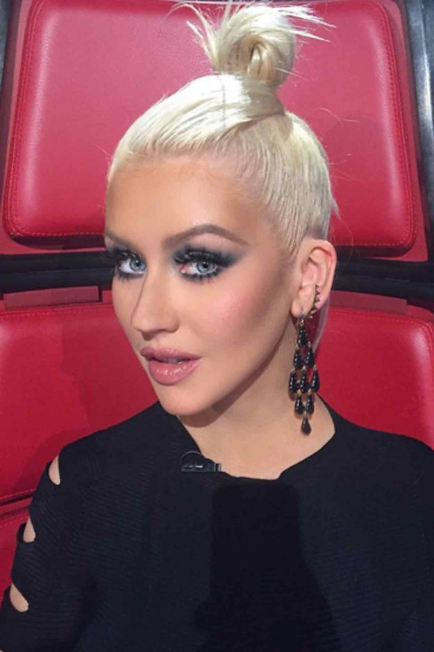 Christina Aguilera Debuts Red Hair Becomes A Total