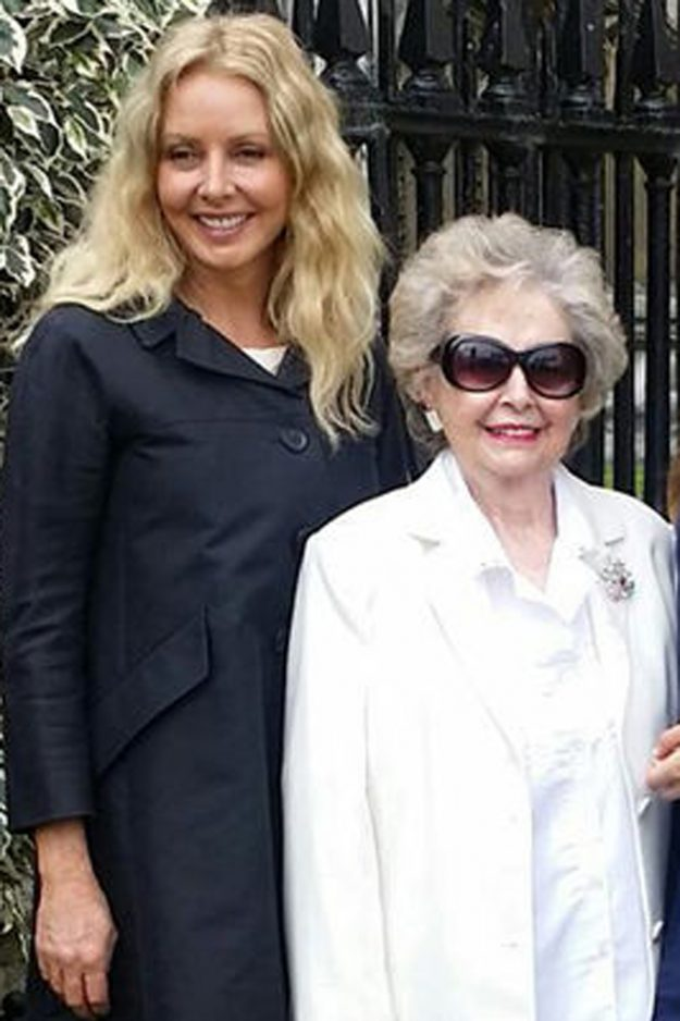 Carol Vorderman alongside her mum Jean