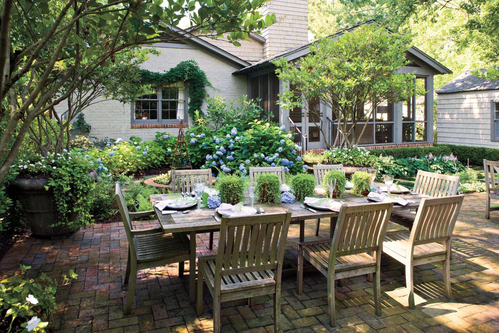 entertaining outdoor spaces southern