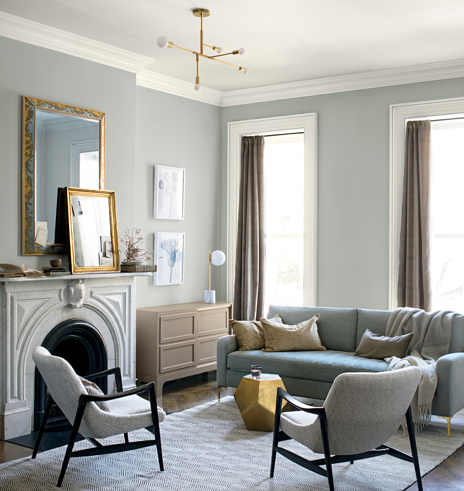 10 Small Space Living Room Decorating Ideas Interior Designers Swear By Martha Stewart