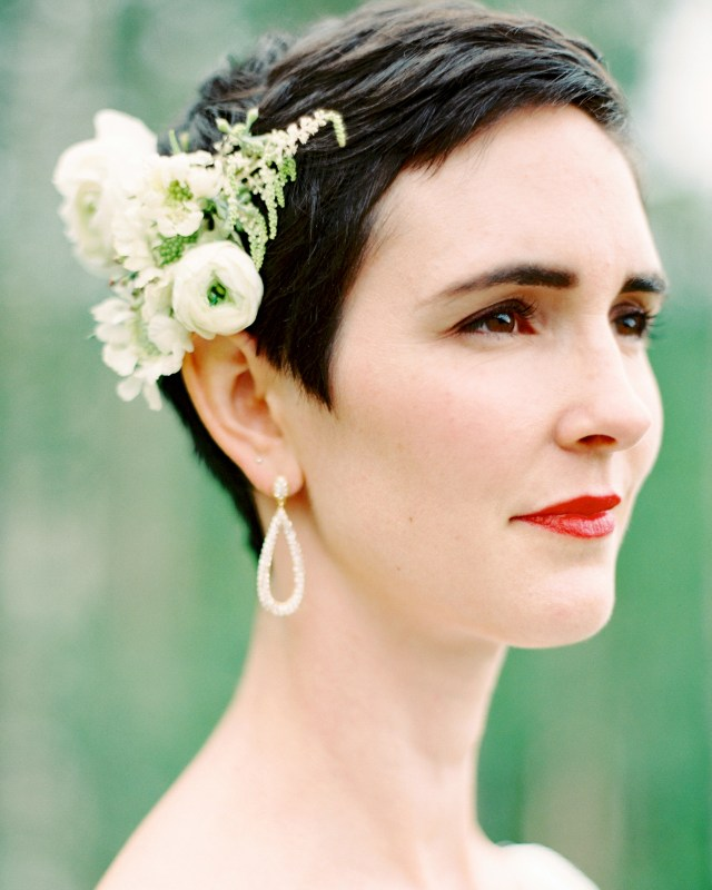 chic wedding hairstyles for short hair | martha stewart weddings