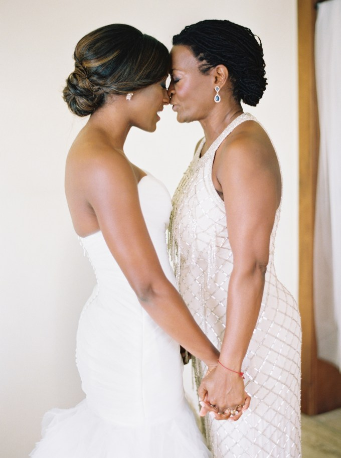 26 mother-of-the-bride hairstyles that'll make her feel