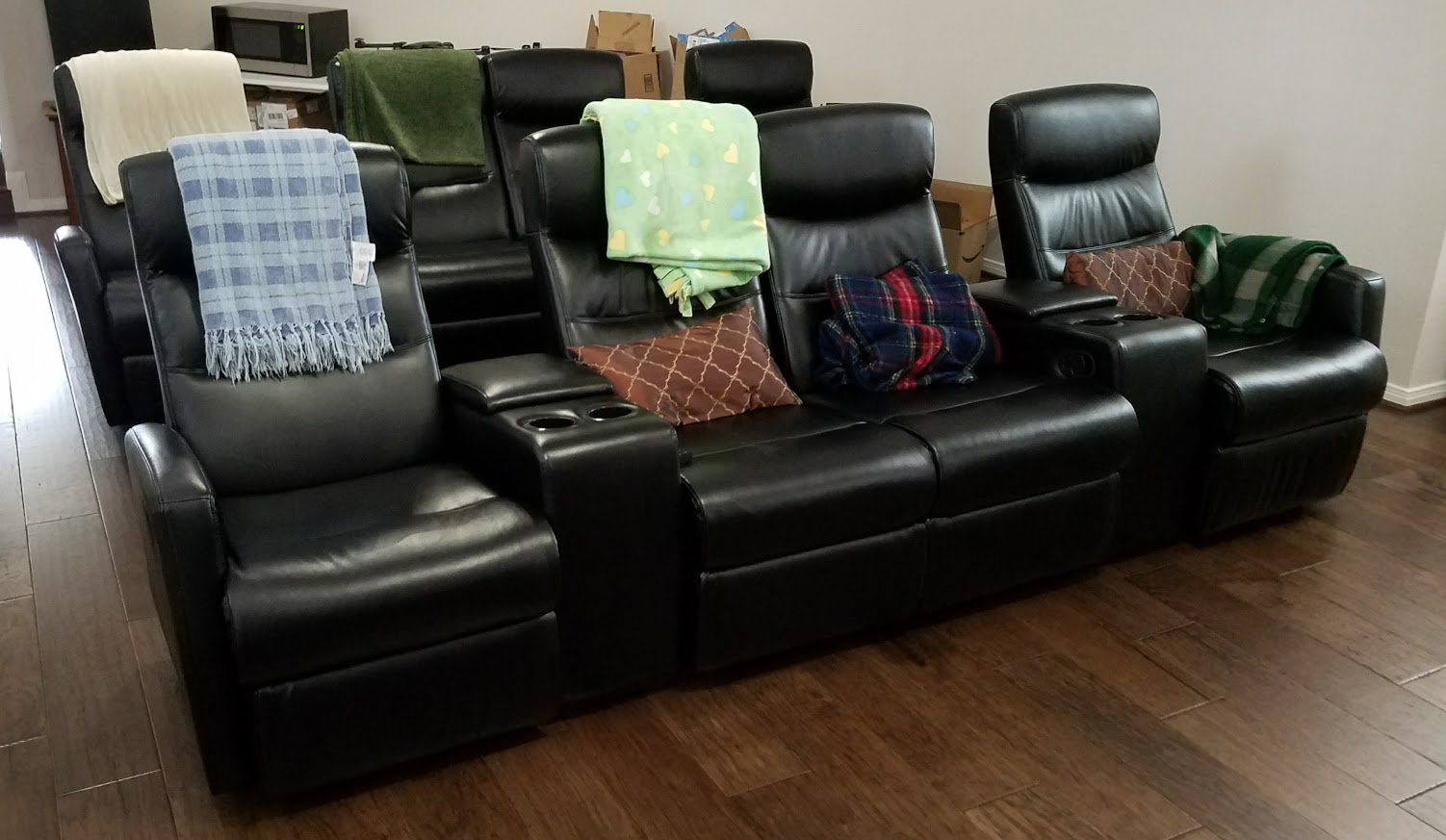 Review: Flash Furniture 4 Seat Black Leather Home Theater Recliner With  Storage Consoles