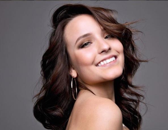 A atriz e cantora Larissa Manoela. (Foto: Reprodução/Instagram)