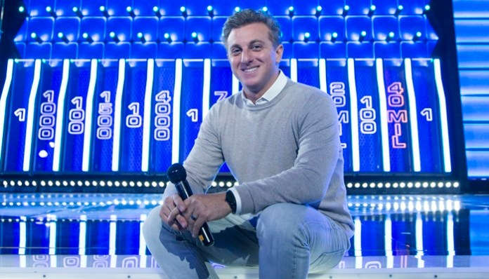 Luciano Huck em gravação do quadro The Wall (Foto: Globo/Marcelo Justo)