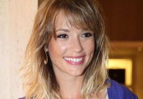 A atriz Juliana Didone sorridente