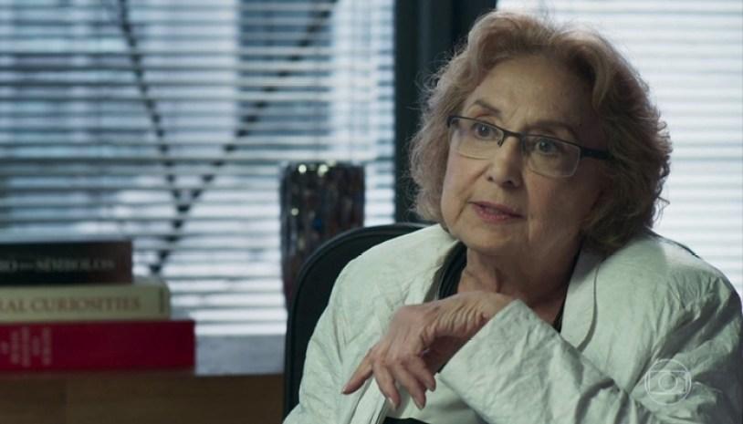 Petra (Eva Wilma) em cena de O Tempo Não Para (Foto: Reprodução/Globo)