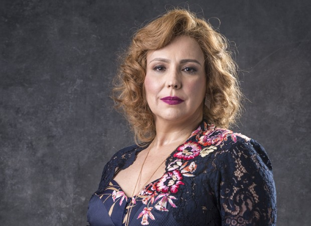 A atriz Ana Beatriz Nogueira (Foto: Globo/João Cotta)