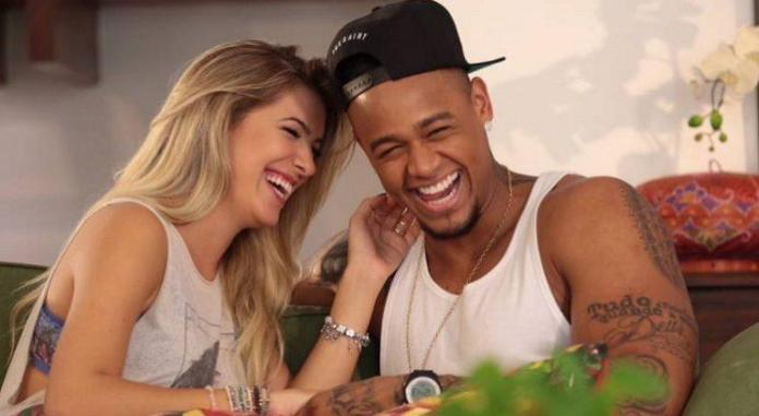 Léo Santana e Lorena Improta ficam noivos (Foto: Divulgação)