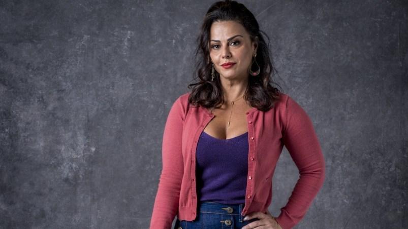 Neide (Viviane Araújo) em O Sétimo Guardião (Foto: Divulgação)
