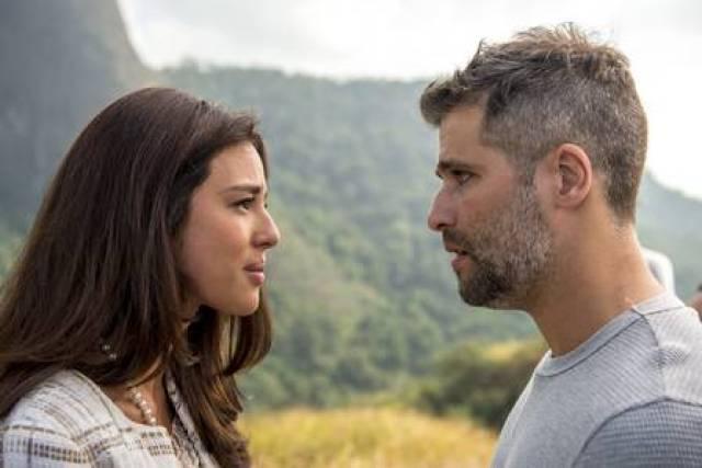 Gabriel e Laura se reencontram em O Sétimo Guardião (Foto: Estevam Avellar/ Globo/ Divulgação)