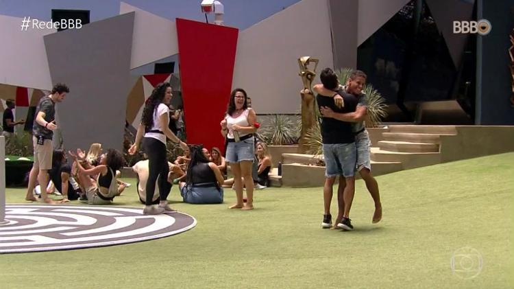 GustavoeDanrley vencem a primeira prova do BBB19 (Foto: TV Globo)