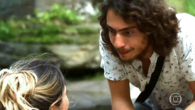Rita de Cássia e Leonardo em cena de O Sétimo Guardião (Foto: Reprodução)