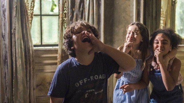Jadson, Prisicla e Flor, em Espelho da Vida (Foto: Paulo Belote/ Globo/ Divulgação)