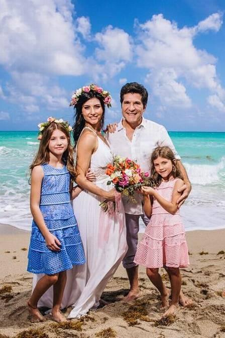 Daniel e sua esposa Aline Prado e filhas, Lara e Laiza (Foto: Reprodução)