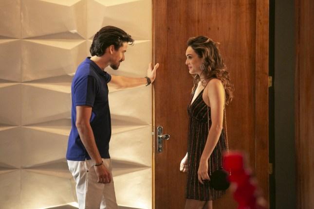 Jerônimo e Manuzita em cena da novela Verão 90 (Foto: Reprodução/Globo)