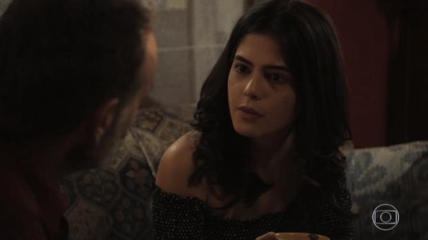 Laila (Julia Dalavia) e Elias (Marco Ricca) em Órfãos da Terra (Foto: Reprodução/Globo)