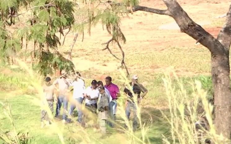 Bombeiros e da Polícia Civil estiveram na represa de Gusttavo Lima — Foto: TV Anhanguera/Reprodução