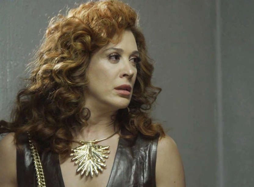 Lidiane em cena da novela das 19h da Globo, Verão 90 (Foto: Reprodução)