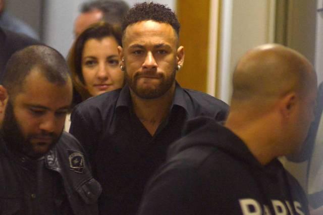 O jogador Neymar Jr vem sofrendo grave acusação de ter cometido ato de estupro (Foto: Reprodução)