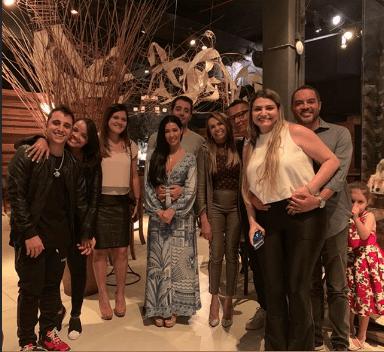 Pessoal que compareceu no aniversário de Simaria da dupla com Simone (Foto: Reprodução/ Instagram)