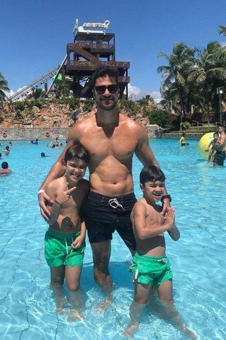 Juliana Paes fica de fora das férias e marido viaja com os filhos para Ceará (Imagem: Instagram)