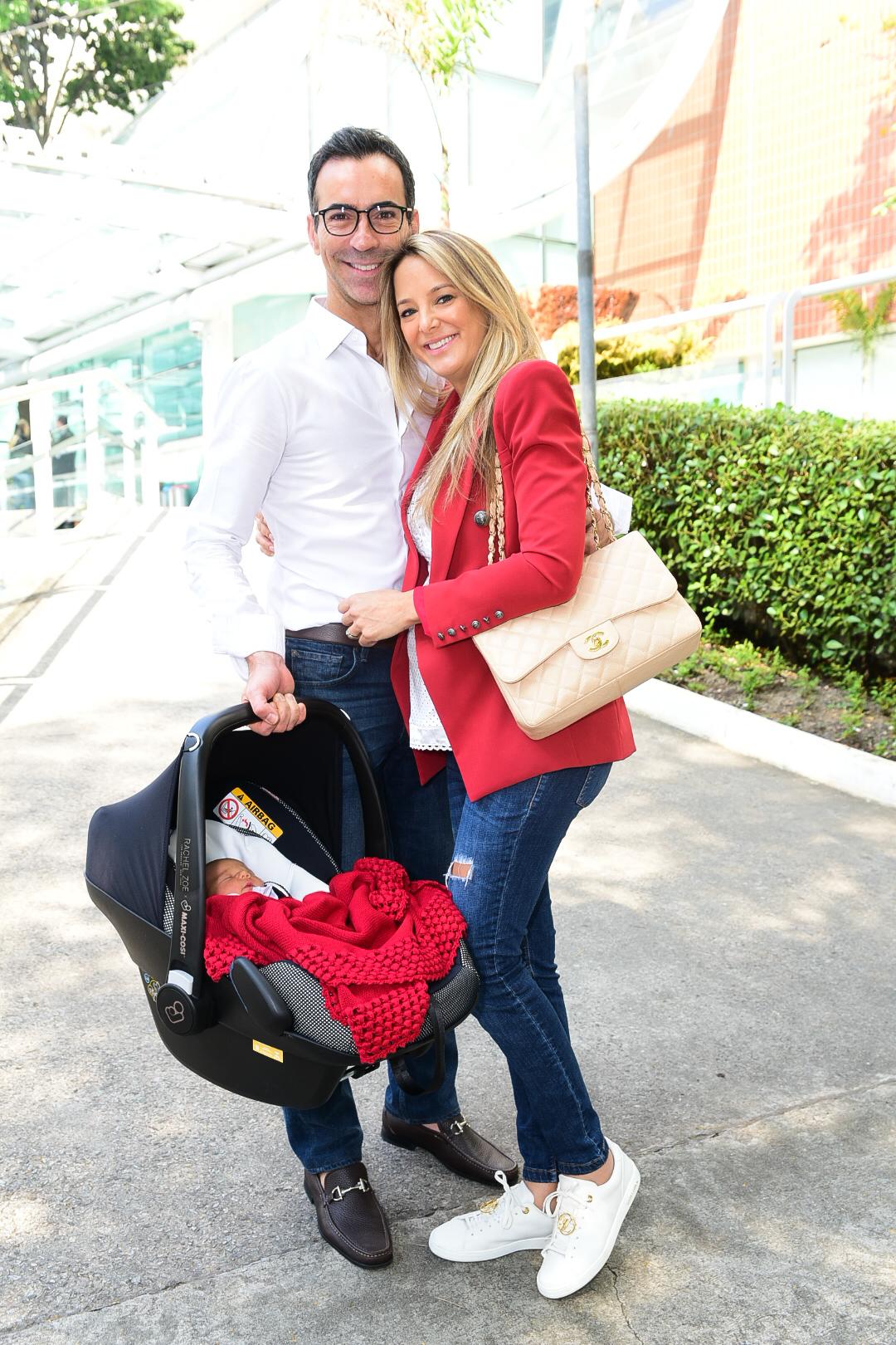 A ex-mulher de Roberto Justus, Ticiane Pinheiro e seus esposo (Foto: AgNews)