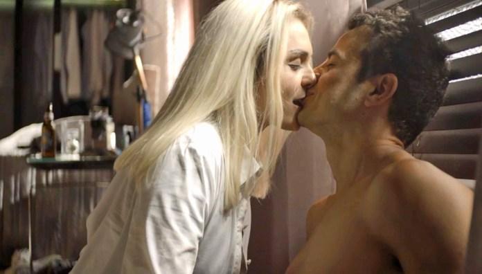 Kim e Márcio em cena da novela A Dona do Pedaço (Foto: Reprodução)