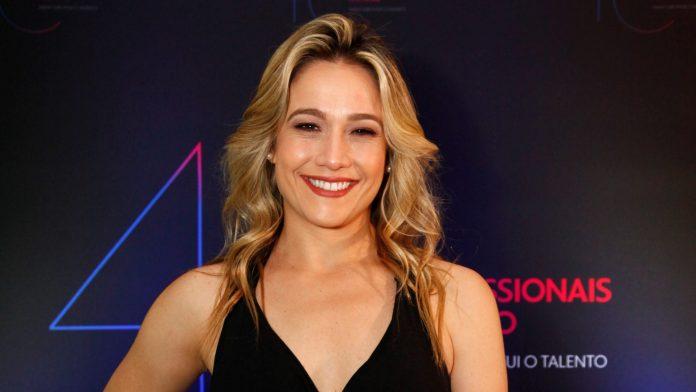 A apresentadora Fernanda Gentil feve o horário de seu programa definido pela Globo (Foto: Reprodução)
