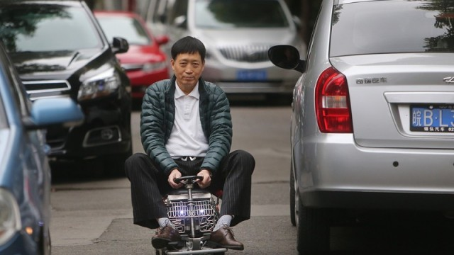 Chinese Man Builds World S Cheapest Car For Just 25 000 Rupees Pakwheels Blog
