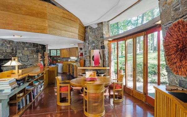See Inside Frank Lloyd Wrights Sol Friedman House Listed