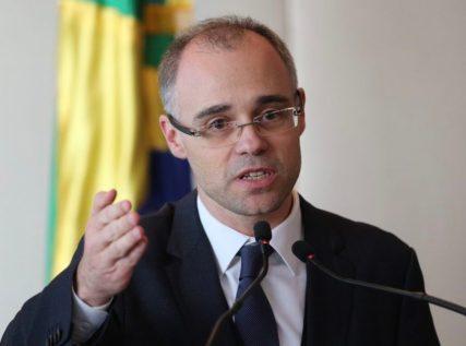 Bolsonaro diz que pastor André Mendonça, ministro da AGU, é bom ...