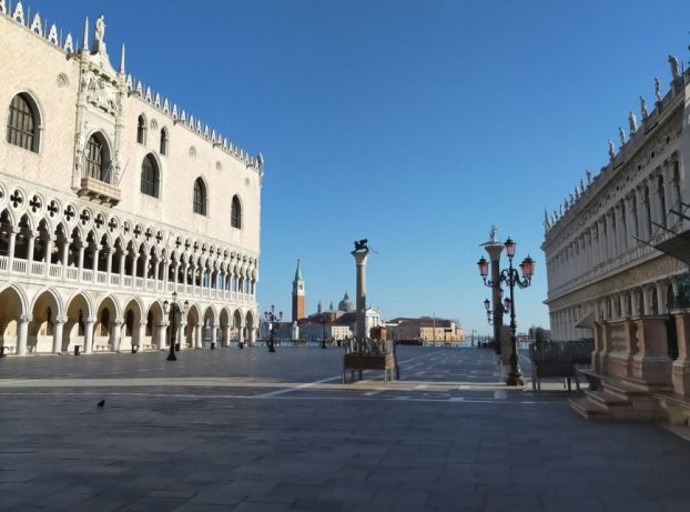 Itália prorroga isolamento até 2 de maio | Poder360