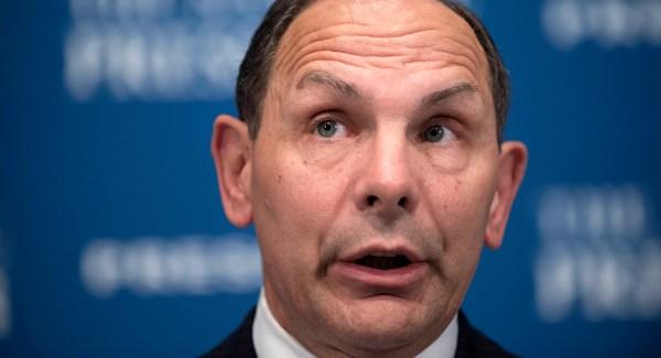 VA Secretary Bob McDonald refuses to apologize for ...