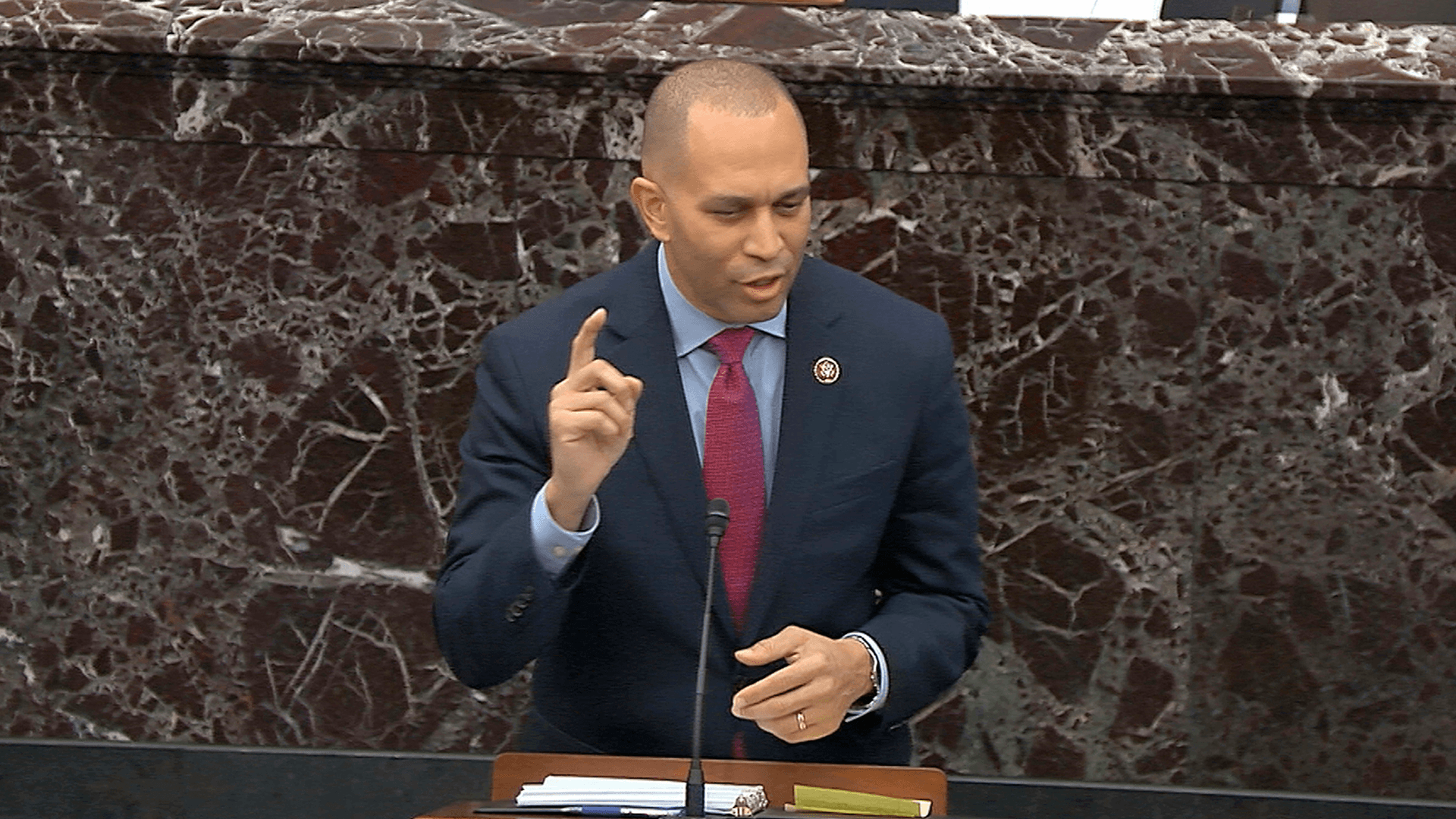 Congress members share a giggle, uniting behind Derek Jeter