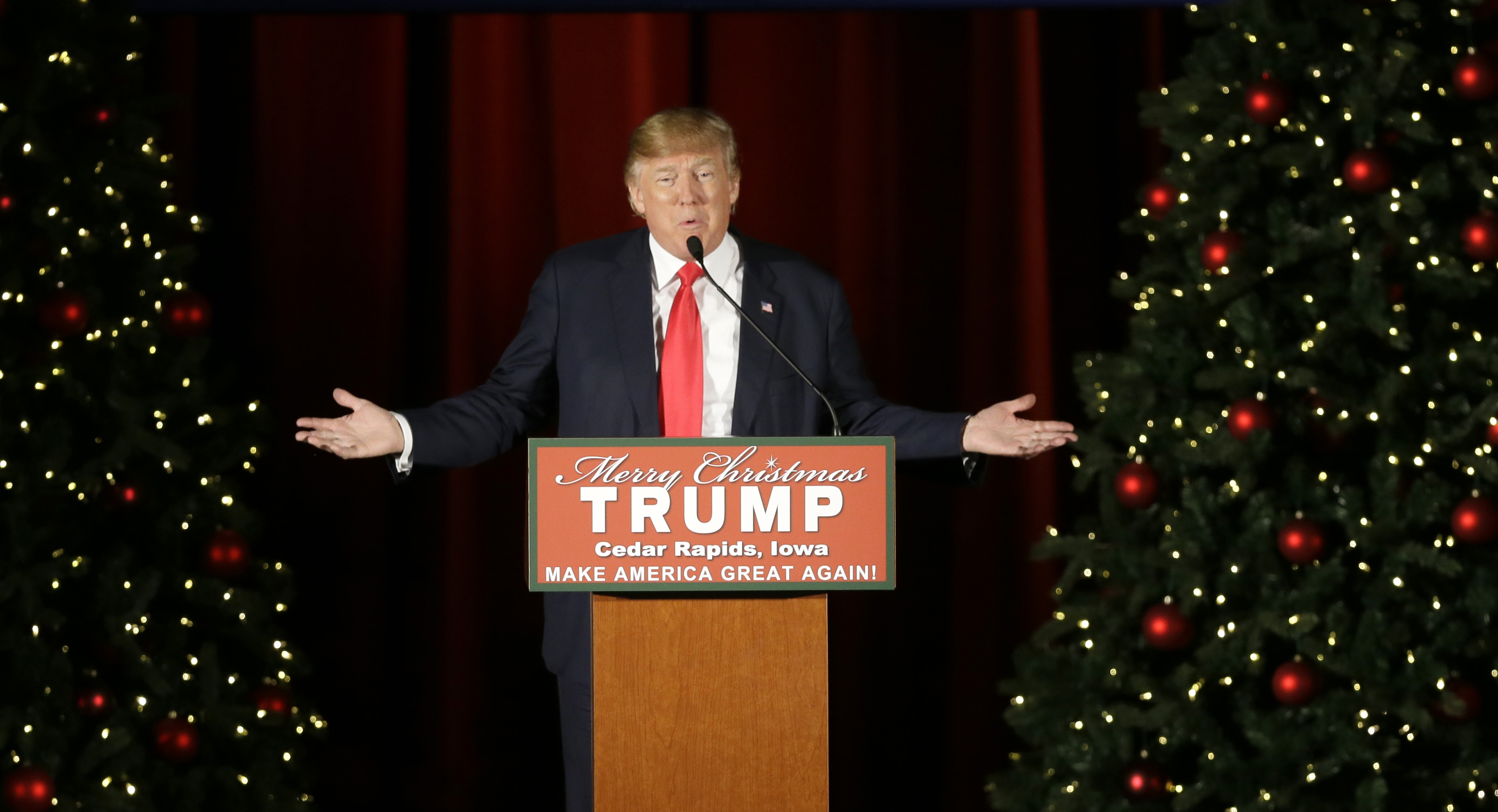 Donald Trump Christmas Plans Trump Family To Ring In