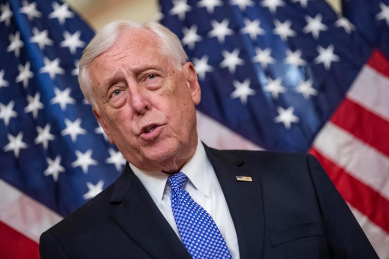 Hoyer: House will vote to avoid default, closing next week
